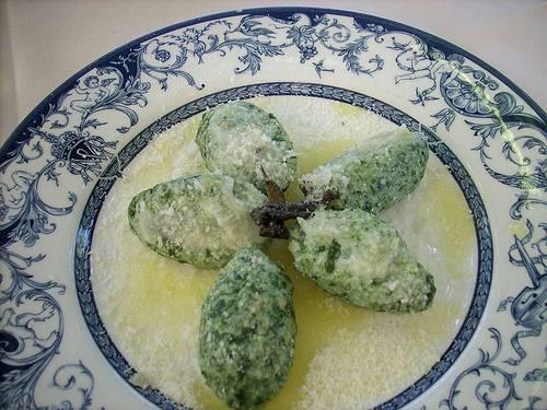 Ravioli Gnudi Burro Salviac Parmigiano